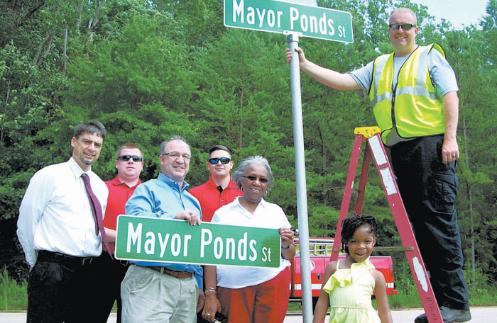 mayor ponds